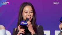 [2017 MAMA in Hong Kong] Red Carpet with Song Ji Hyo(송지효) & Kim Jae Uck(김재욱) & Cho Bo Ah(조보아)_2017마